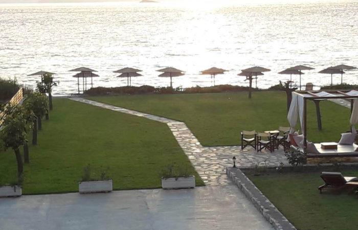 Ποσειδών - Σκόπελος beach bar